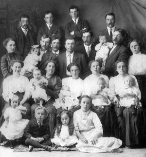 Lazare Côté and Clarice Bergeron children and spouses.